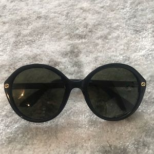 Accessories - NEW Gucci black oversized round sunglasses